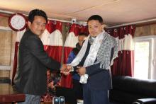 फक्ताङलुङ गाउँपालिकाका अध्यक्ष ज्यूद्वाराप्र.प्र.अ. श्री सन्तोष श्रेष्ठ ज्यूको स्वागत कार्यक्रममा गाँउपालिकामास्वागत गर्दै ।
